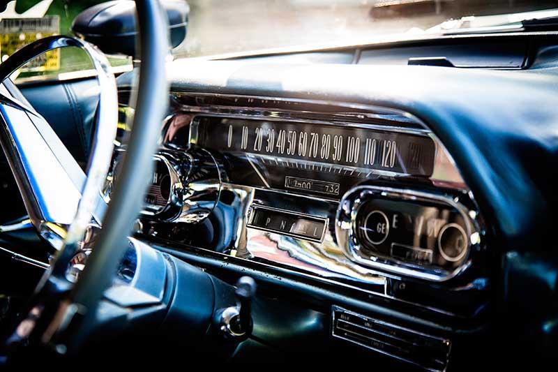 Surrey Cadillacs-Dash
